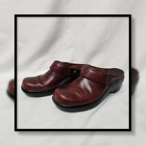 ARIAT 93807 Burgundy Leather Sling Back Clog